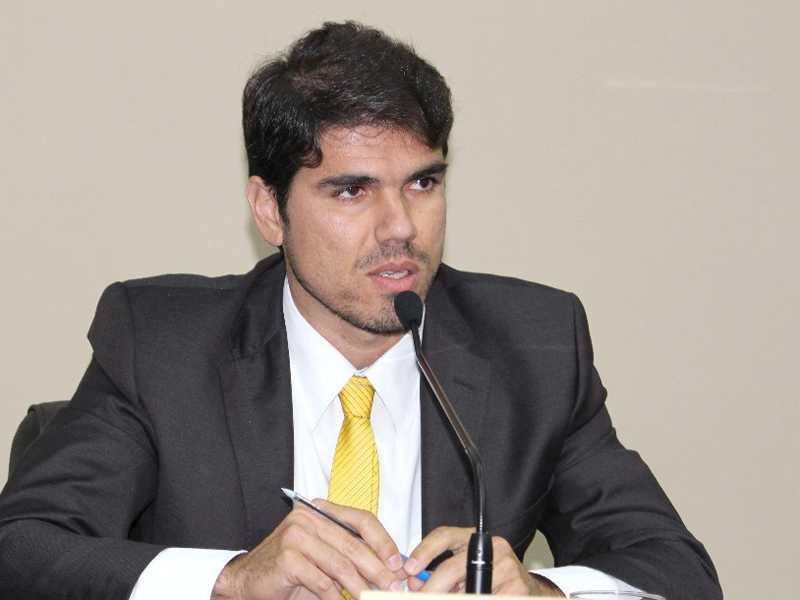 Vinício José Scarano Pedroso