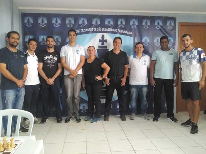 Árbitros, professores, coordenador e secretário de esportes