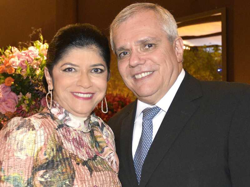 Solange e o médico Luciano Ferrer