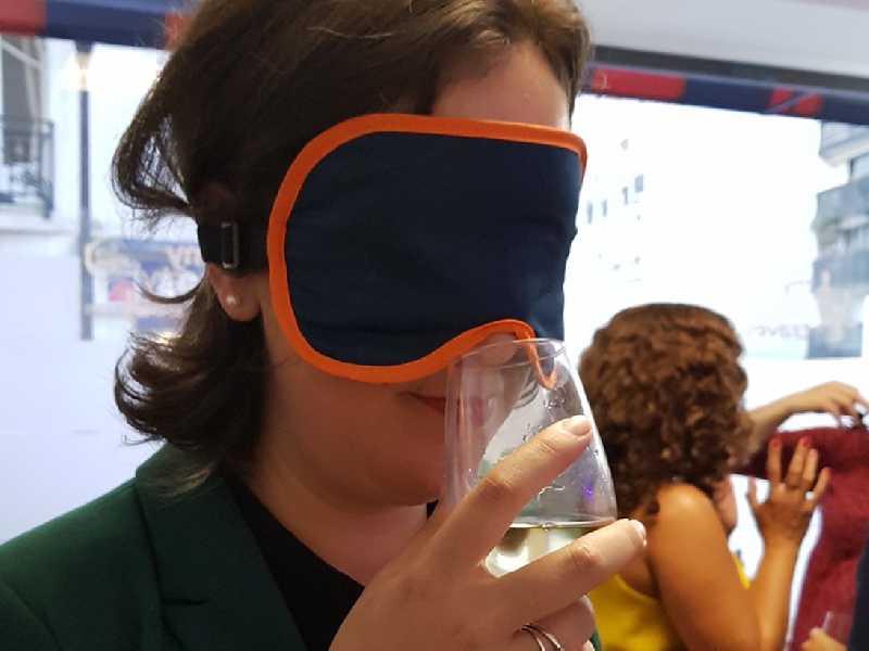 Leticia Pitthan se deixa surpreender na degustação às cegas