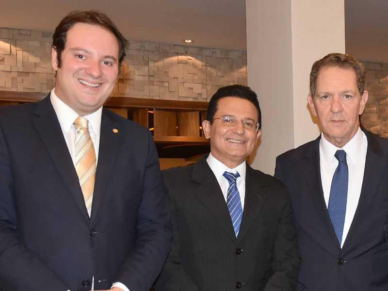 O advogado Guilherme Campelo, o conselheiro do TCE-GO, Humberto Lustosa e o ministro João Otávio de Noronha, presidente do STJ 1