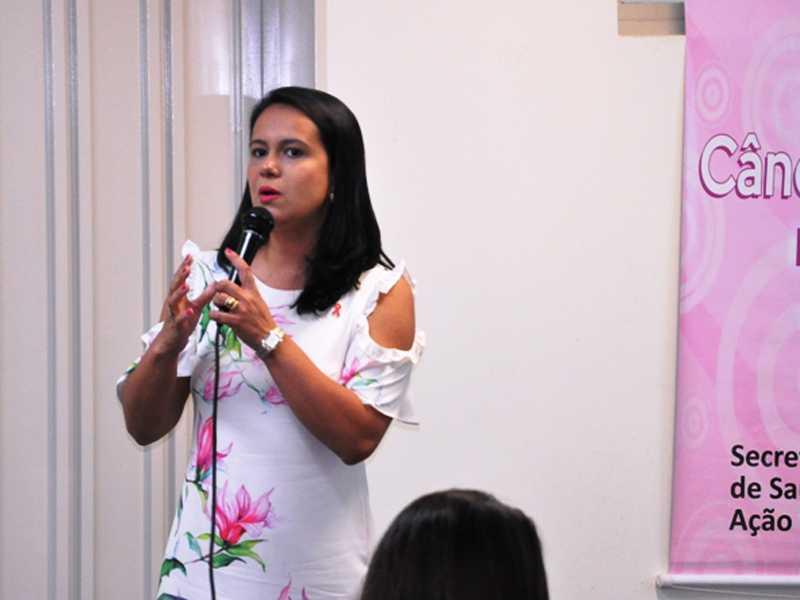 Psicóloga Thais Lopes da Silva Trindade abordou sobre o impacto do diagnóstico do câncer e suas implicações