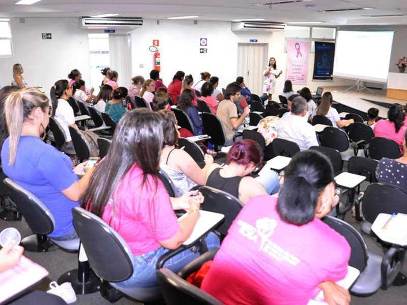 Seminário reuniu profissionais, voluntários e especialistas no Ceduc