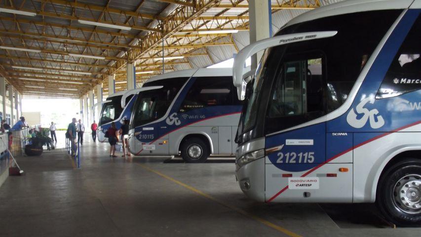 Aumento da tarifa ocorre em meio a feriado prolongado em que muitas pessoas viajam