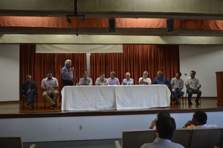 Debate em Paraiso com Joao Carlos Gontijo