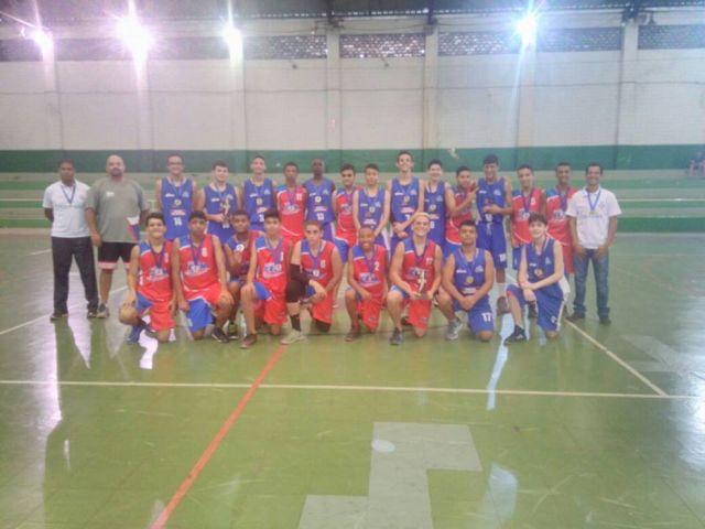 Equipes de basquete iniciam realiza