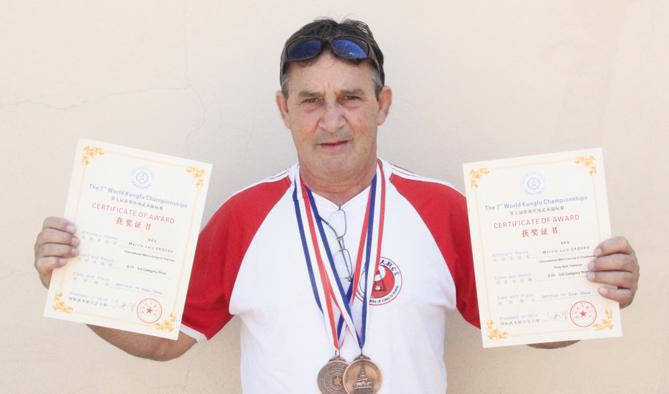 Márcio Zaquei, novamente trouxe direto da China duas novas conquistas: medalhas de bronze nas categorias mãos livres e espadas