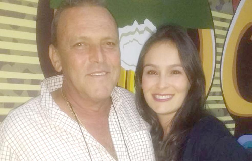 Celso e sua filha Carol Passagem - O empresário e agricultor Celso de Freitas Passagem, aniversariou no início do mês, onde recebeu os parabéns de seus familiares e amigos.
