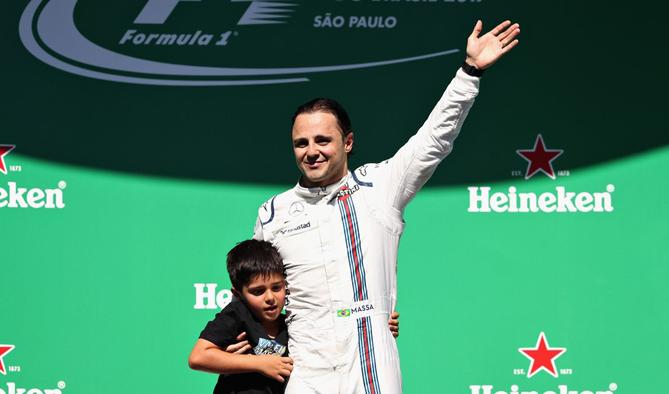Felipe Massa se despede, agora em definitivo, de seu público na Fórmula 1